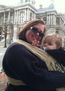 Infantino Plus Size Babywearing mom