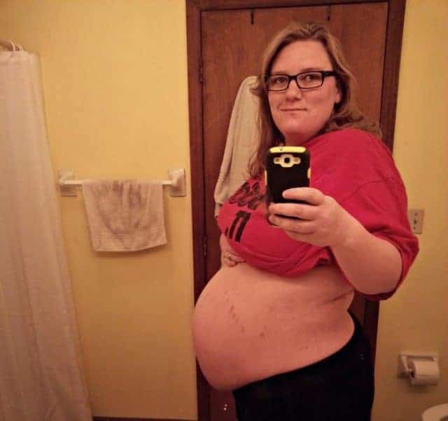 plus size pregnant woman 41 weeks along