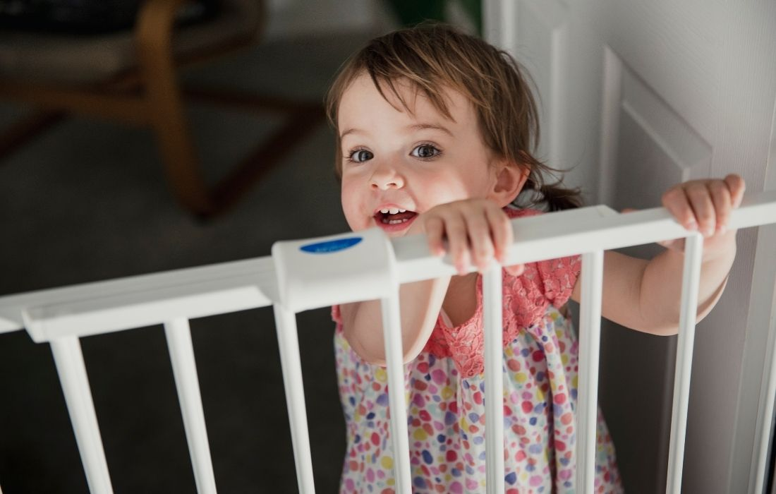 extra wide baby gate with toddler